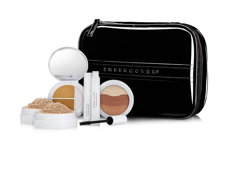 Sheer_Cover-Studio_Glamour_Kit-90Day-w_BeautyBag-DoubleMinFoundation-V3